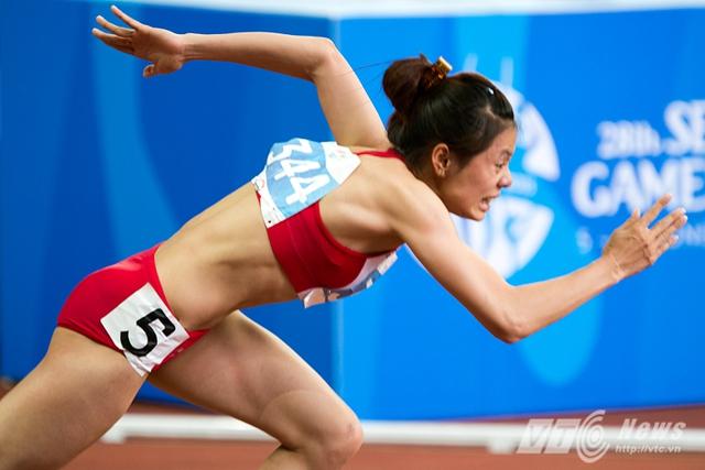 Nữ hoàng mới của điền kinh Việt Nam Nguyễn Thị Huyền xuất phát ở nội dung 400m và sau đó giành HCV, đồng thời phá kỷ lục SEA Games với thành tích 52 giây. Đây cũng là chỉ số vượt qua ngưỡng HCB ASIAD 2014.