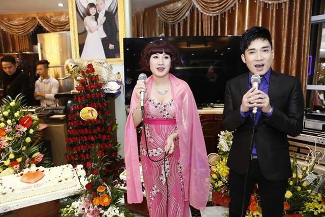 Những sao Việt nhận cát-xê trăm triệu khi hát cho đại gia
