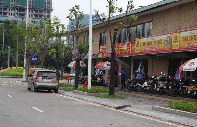 Trên đường Nguyễn Văn Huyên kéo dài hướng về phía Hoàng Quốc Việt