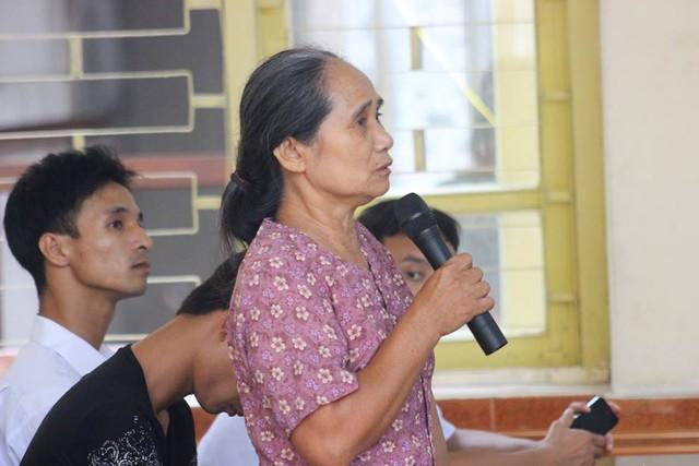 Bà Nguyễn Thị Hội đau đớn khi phải nhớ lại cái chết của con gái mình