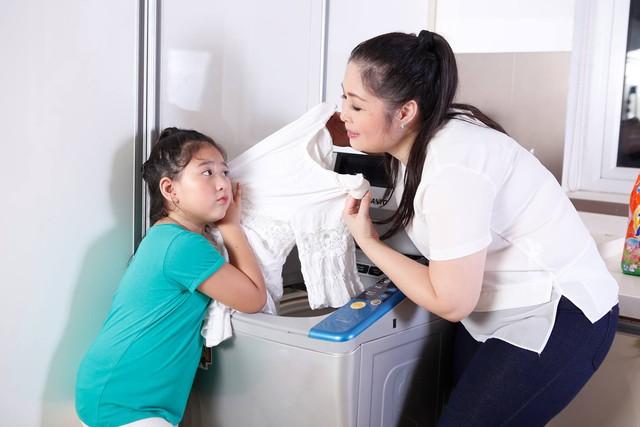 Giặt giũ, tổng vệ sinh đồ đạc là việc không thể thiếu mỗi khi Tết đến