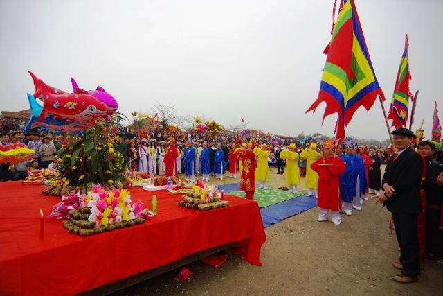 Tế lễ tại đền Cờn
