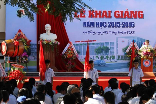 Sáng 5/9, hàng vạn học sinh các trường trên địa bàn Đà Nẵng nô nức tham dự lễ khai giảng năm học 2015-2016...