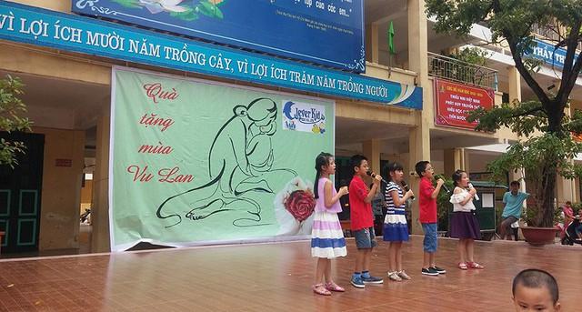 Hà Nội, trẻ đấm lưng, rửa chân, bố mẹ, lễ vu lan