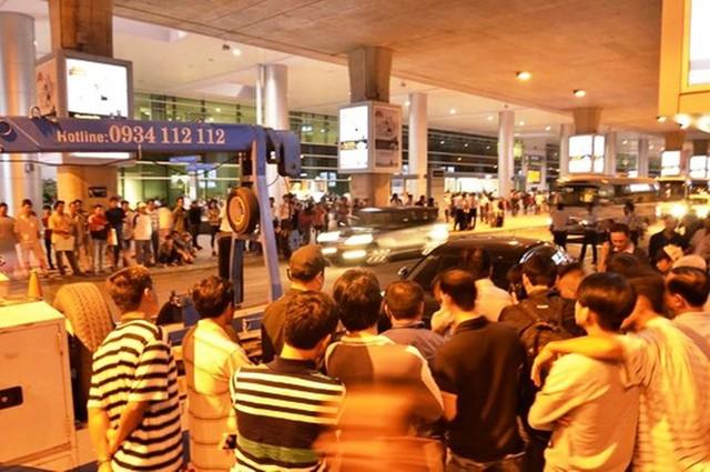Hiện trường vụ tai nạn tại sân bay Tân Sơn Nhất.