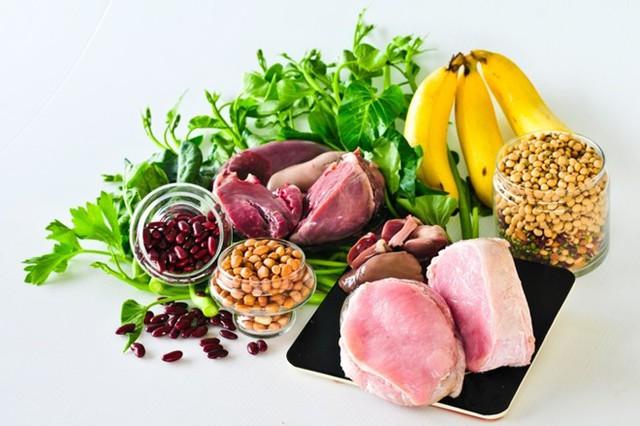 Bổ sung vitamin B, vitamin C thông qua chế độ ăn uống hợp lý.