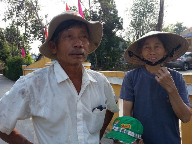 Ông Nguyễn Xuân Hải (62 tuổi, trú thôn Dương Sơn, xã Hòa Tiến) ngậm ngùi: Giờ ông ấy mất đi, chúng tôi không ai không khỏi xót xa, thương tiếc.... Ảnh Đức Hoàng