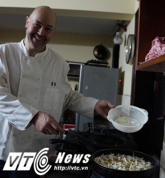 David còn là một người đầu bếp với những món ăn mang đặc trưng ẩm thực nước Pháp.