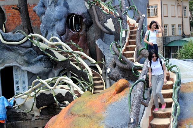 Biệt thự kỳ quái giá 60 tỷ đồng ở Đà Lạt
