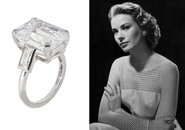 Grace Kelly - 4,06 triệu USD. Nữ diễn viên huyền thoại Grace Kelly nhận được món quà cực kỳ giá trị từ Hoàng tử Rainier của Monaco. Chiếc nhẫn này được bà nâng niu và kết hợp với rất nhiều trang phục biểu diễn cũng như sự kiện của mình