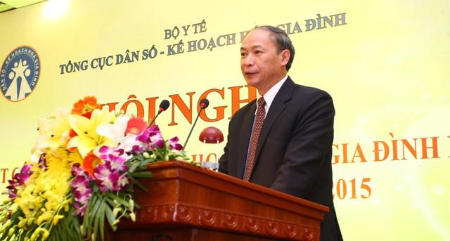 Ông Nguyễn Văn Tân - Phó Tổng cục trưởng phụ trách Tổng cục DS-KHHGĐ báo cáo tổng kết công tác DS-KHHGĐ năm 2014