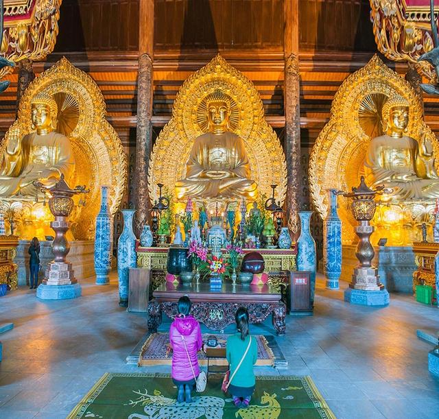 Nơi thờ Phật không được cúng lễ mặn và đặt tiền.