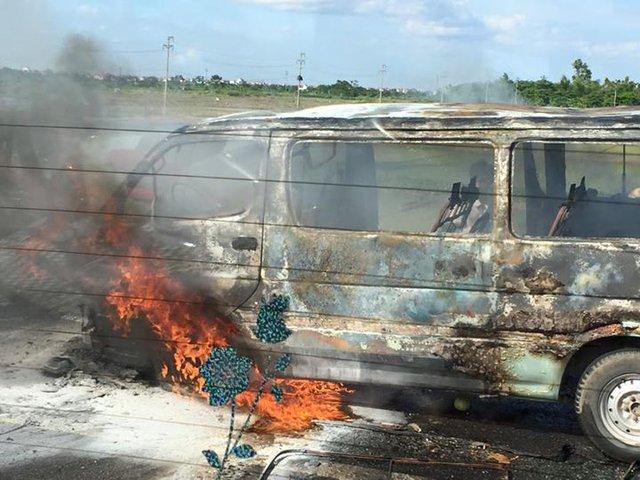 Chiếc xe không may bị cháy rụi. (Ảnh otofun)