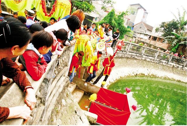 Giếng làng mùa lễ hội. Ảnh: Duy Tường