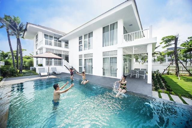 Bể bơi tại Premier Village Đà Nẵng Resort