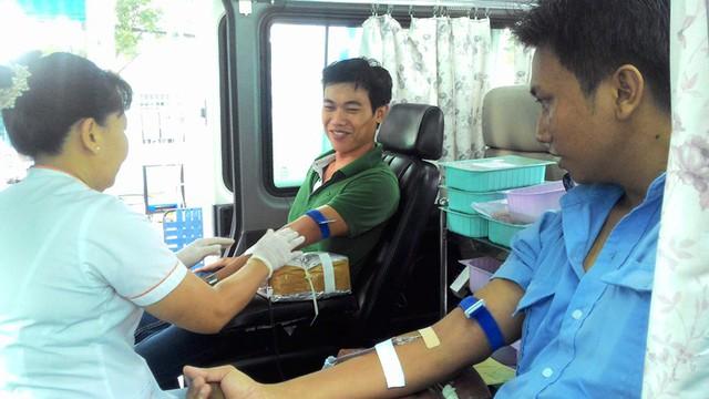 Hiến máu nhân đạo tự nguyện là hoạt động thường niên của tập thể cán bộ-nhân viên BV Q. Thủ Đức.