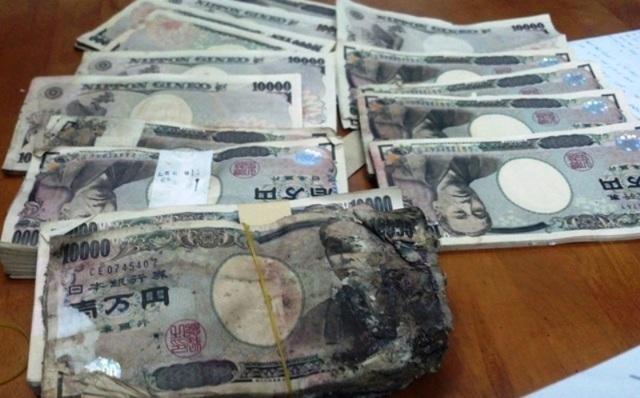 5 triệu Yên mà chị Hồng mua ve chai có được đã trở thành trái banh để các cơ quan chức năng đá với nhau khiến chị đang rất mệt mỏi, chán nản