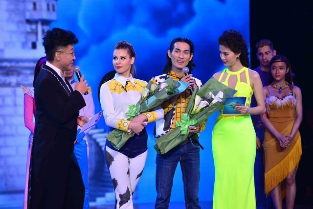 Cặp đôi Sử Duy Vương trở thành cặp bị loại đầu tiên của BNHV 2015