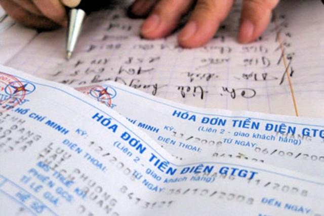 EVN khẳng định không tăng giá trước Tết Nguyên đán 2015. Ảnh: TL