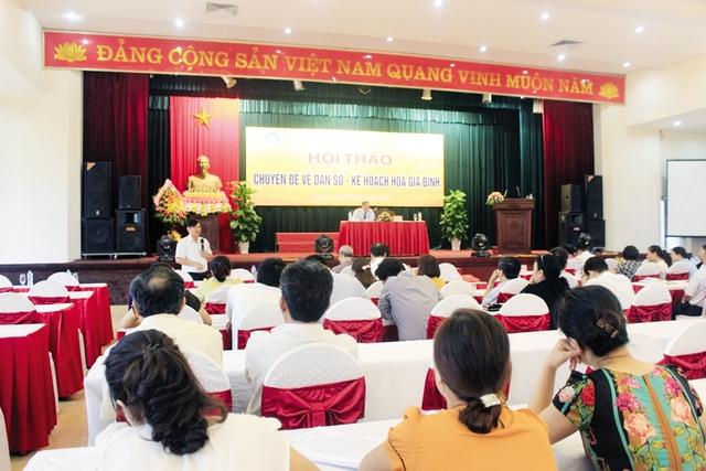 Hội thảo chuyên đề về công tác DS-KHHGĐ năm 2015 đã được tổ chức với sự tham dự của lãnh đạo ngành Dân số 31 tỉnh, thành phía Bắc cùng đại diện địa phương, các sở, ban, ngành liên quan. ảnh: Hồ Hà