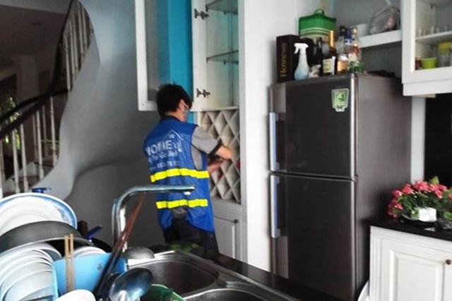 Người có nhu cầu dọn dẹp nhà ăn Tết nên chọn các công ty có uy tín để tránh gây phiền toái khi thực hiện công việc. Ảnh: P.T
