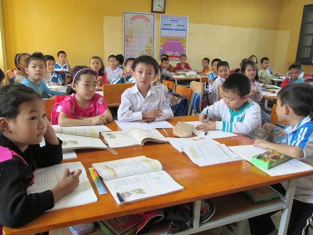 Nhiều ý kiến cho rằng, quy định học sinh bình bầu nhau để tặng giấy khen, khen thưởng đối với học sinh tiểu học là không phù hợp. Ảnh minh họa: Q.Anh