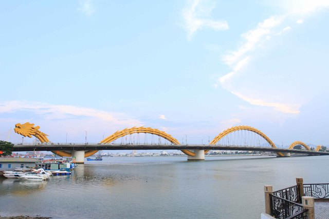 """""""Lướt ván sông Hàn và Âm nhạc đường phố 2015"""" chào mừng kỷ niệm 70 năm Cách mạng tháng 8 và Quốc khánh 02/9. Ảnh Đức Hoàng"""