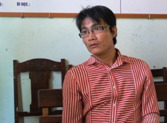 Đặng Võ Duy Hưng tại công an quận Thanh Khê.