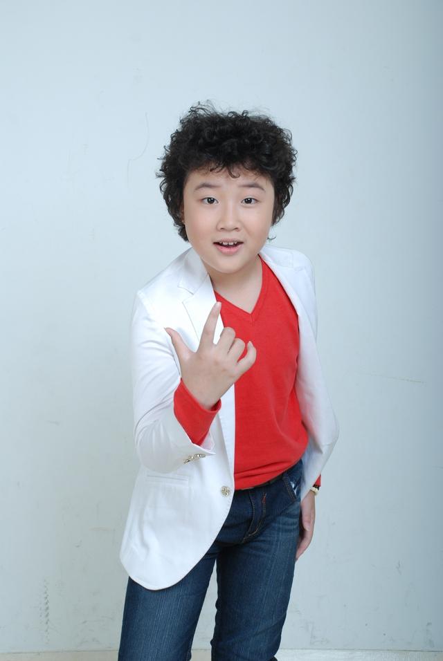 Hoàng Anh tóc xù, một trong những gương mặt nổi bật của Giọng hát Việt nhí mùa 2.
