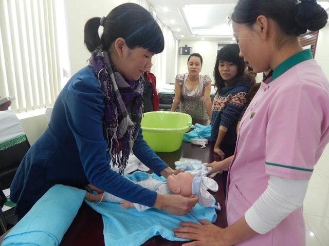 Lớp học tiền sản tại Hoàn Mỹ Đà Nẵng có thể xem là nơi đầu tiên dành cho phụ nữ mang thai ở Đà Nẵng. Ảnh Đ.H