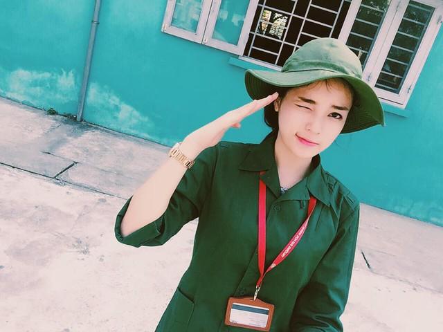 hoa hậu Kỳ Duyên siêu cute trong trang phục người lính 2