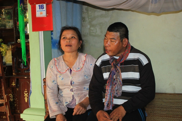 Người mẹ và anh trai của Trang