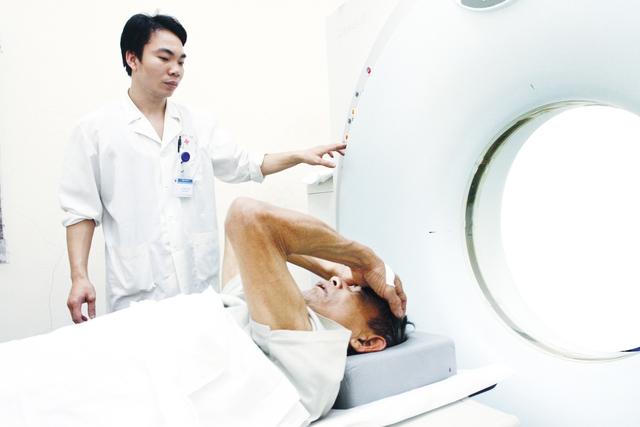 Nghiên cứu thành công thuốc đặc trị chữa ung thư đang là khát vọng của nhân loại. Ảnh: Chí Cường