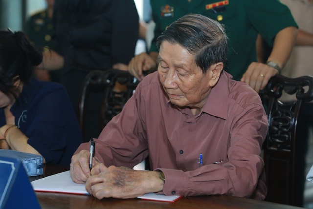 Nhạc sĩ Phạm Tuyên tiễn biệt một người em, một người đồng nghiệp bằng những dòng viết đầy xúc động.