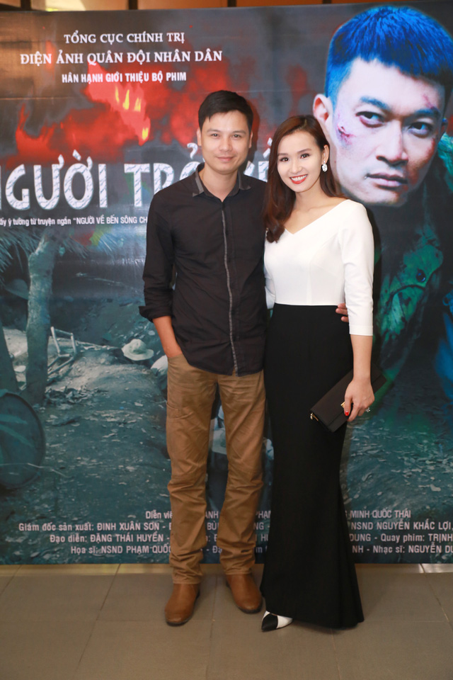 Lã Thanh Huyền với diễn viên trẻ Thiện Tùng.