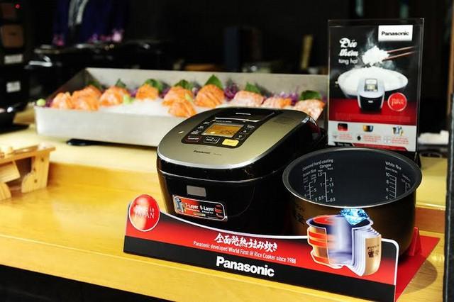 Panasonic thiết kế nồi cơm điện trở thành quà Tết ý nghĩa.