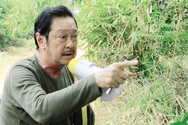 """Đạo diễn Chánh Tín khi còn trên phim trường """"CKC - Thợ săn biệt kích"""". Ảnh: TL"""
