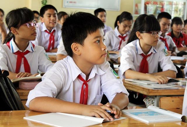 Em Hưng trong lớp học