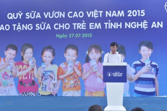 Ông Nguyễn Trọng Đàm – Thứ trưởng Bộ Lao động - Thương binh và Xã hội đã đánh giá cao tinh thần vì cộng đồng của Vinamilk