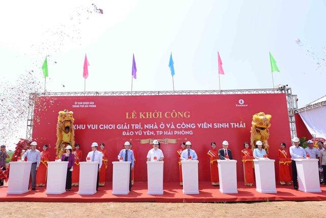 Phó Thủ tướng Hoàng Trung Hải bấm nút khởi công dự án.