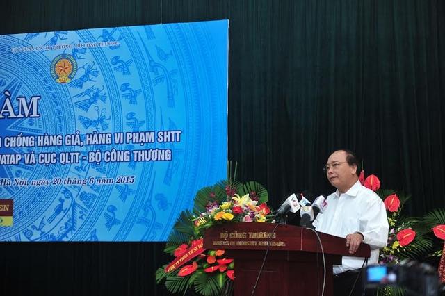 Phó Thủ tướng Nguyễn Xuân Phúc phát biểu tại buổi tọa đàm