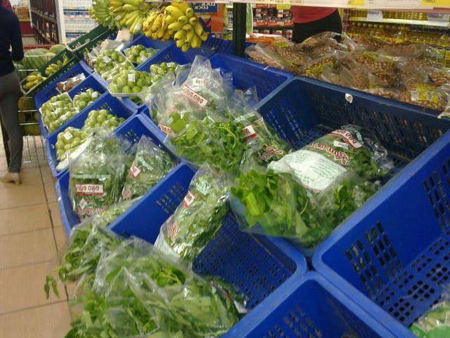 Người tiêu dùng bắt đầu ngó lơ với rau siêu thị