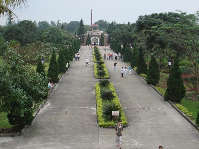 Thành cổ Quảng Trị đangbước vào những ngày thánglịch sử.