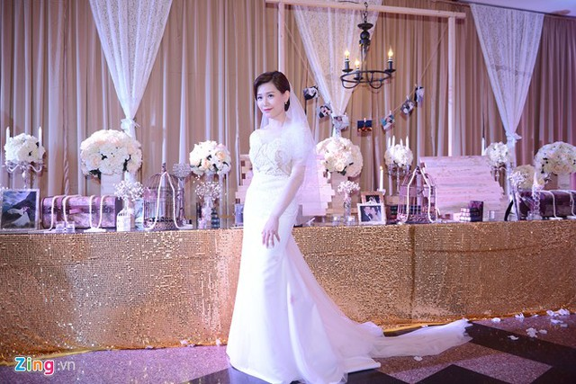 Phong cách thanh lịch giúp Mi Trần ghi điểm với fan
