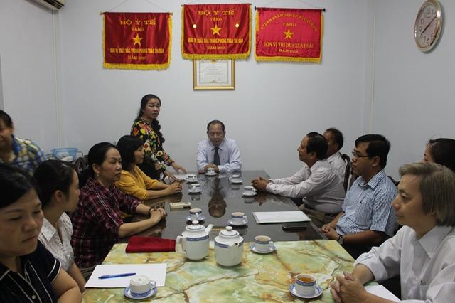 Bà Lê Thị Thu Hà, Trưởng phòng TC-CB Sở Y tế công bố quyết định bổ nhiệm.