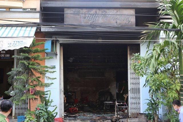 Hiện trường ngôi nhà bị cháy. Ảnh: Đ.H