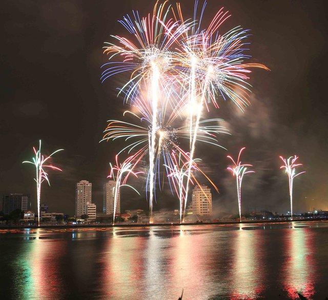 Hai bên sông Hàn sẽ tỏa sáng trong lễ hội pháo hoa quốc tế từ ngày 29/4 đến hết 24/6/2016. Ảnh: Đức Hoàng