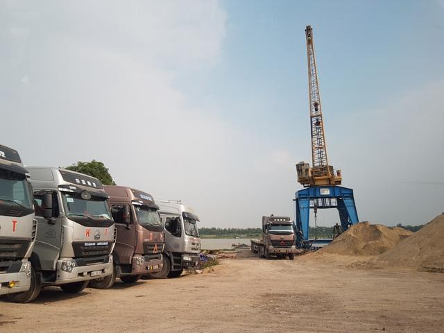 Bến thủy Kênh Vàng được cấp phép hoạt động khai thác dù chưa có ý kiến đồng ý của Chi cục đê điều tỉnh Bắc Ninh.