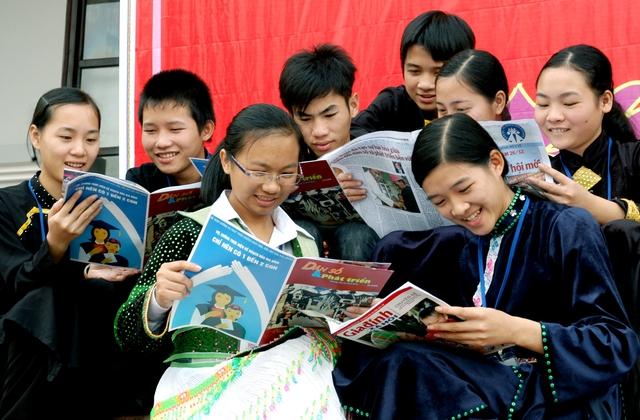 Theo các chuyên gia, thời điểm này là lúc Việt Nam cần chuyển hướng chính sách dân số, gắn công tác này với tất cả các hoạt động khác, nhằm tận dụng thành công những biến đổi trong dân số cho sự phát triển kinh tế - xã hội. Ảnh: Dương Ngọc