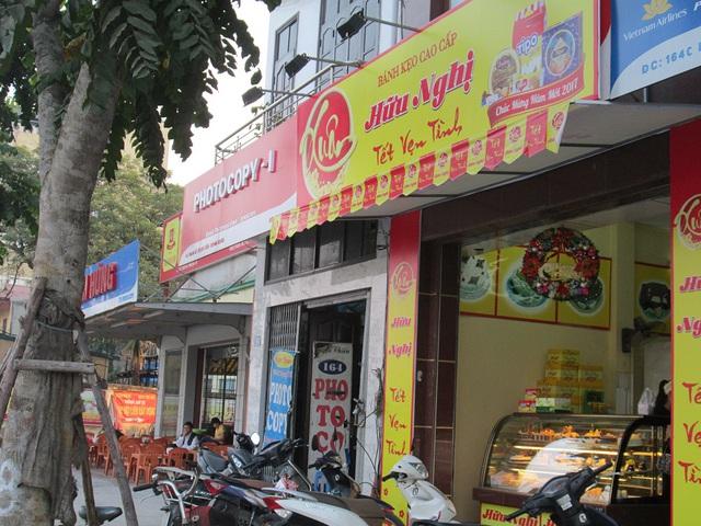 Cửa hàng bán bánh kẹo Hữu Nghị đã trở về với màu sắc quen thuộc.